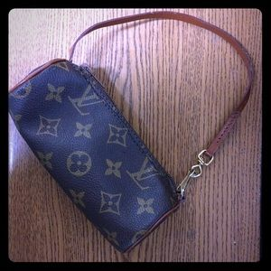 💯 authentic Louis Vuitton Papillon Mini